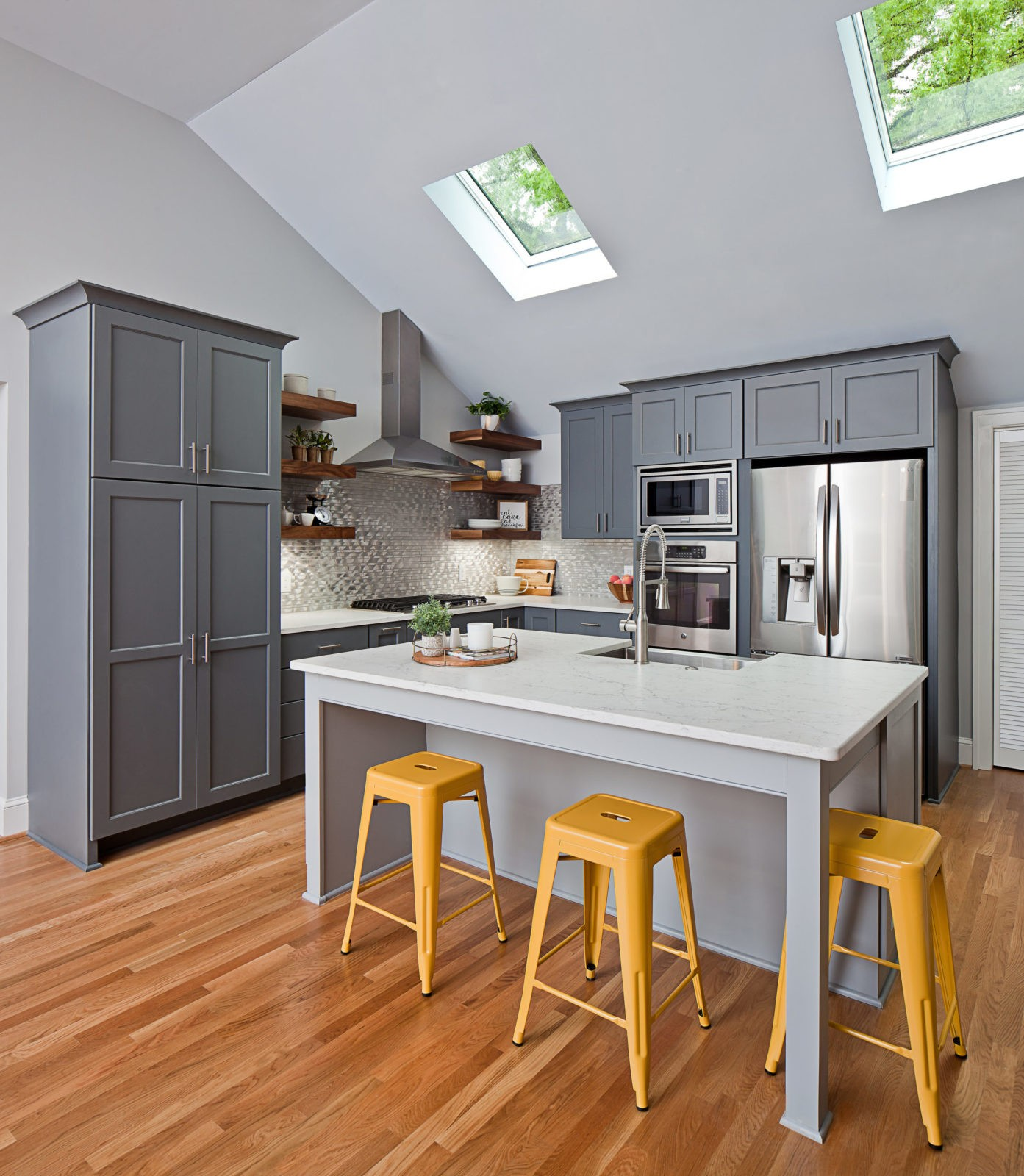 Open Concept Kitchen with Island in Plaza Midwood Island