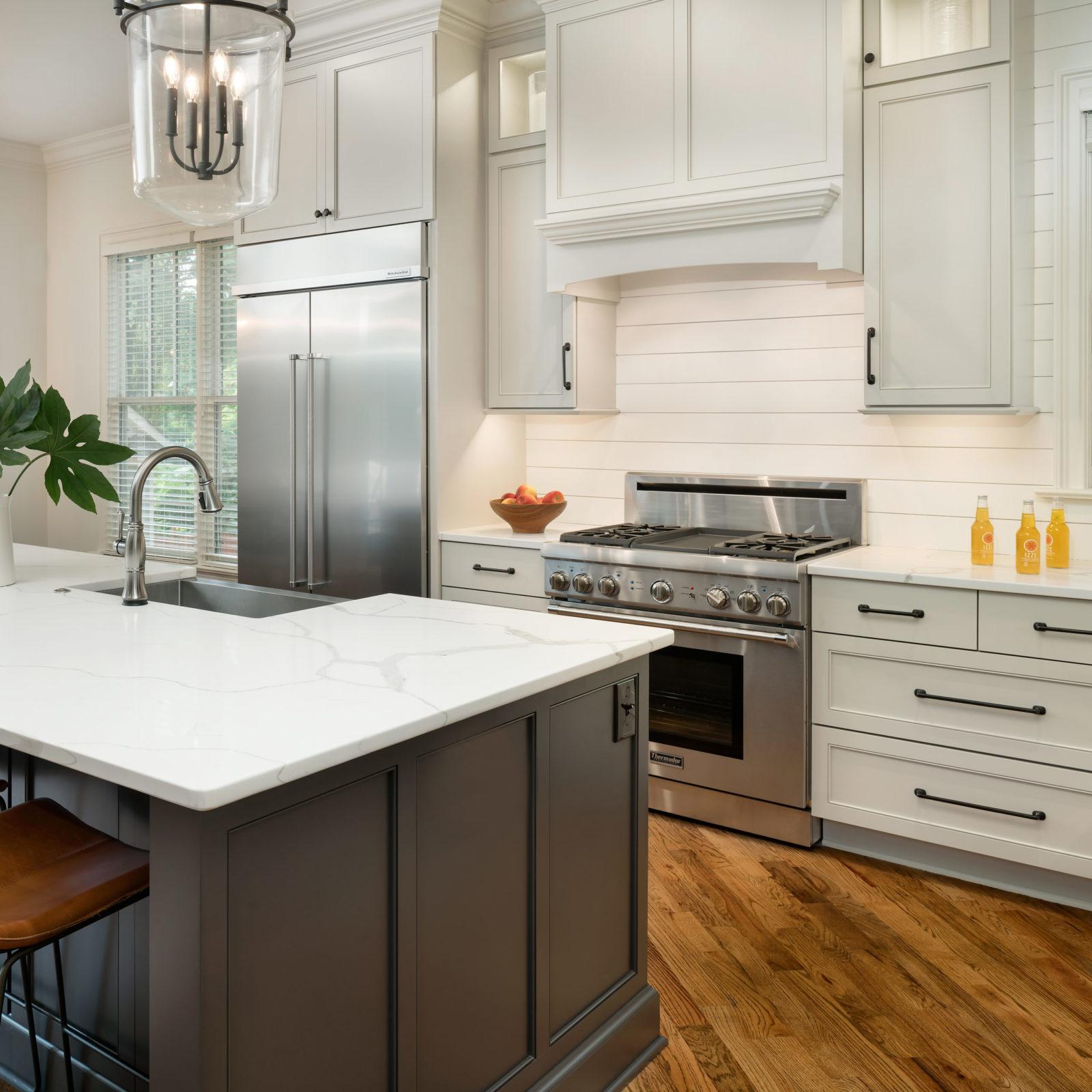 farmhouse-style-kitchen-dark-painted-island-quartz-countertop