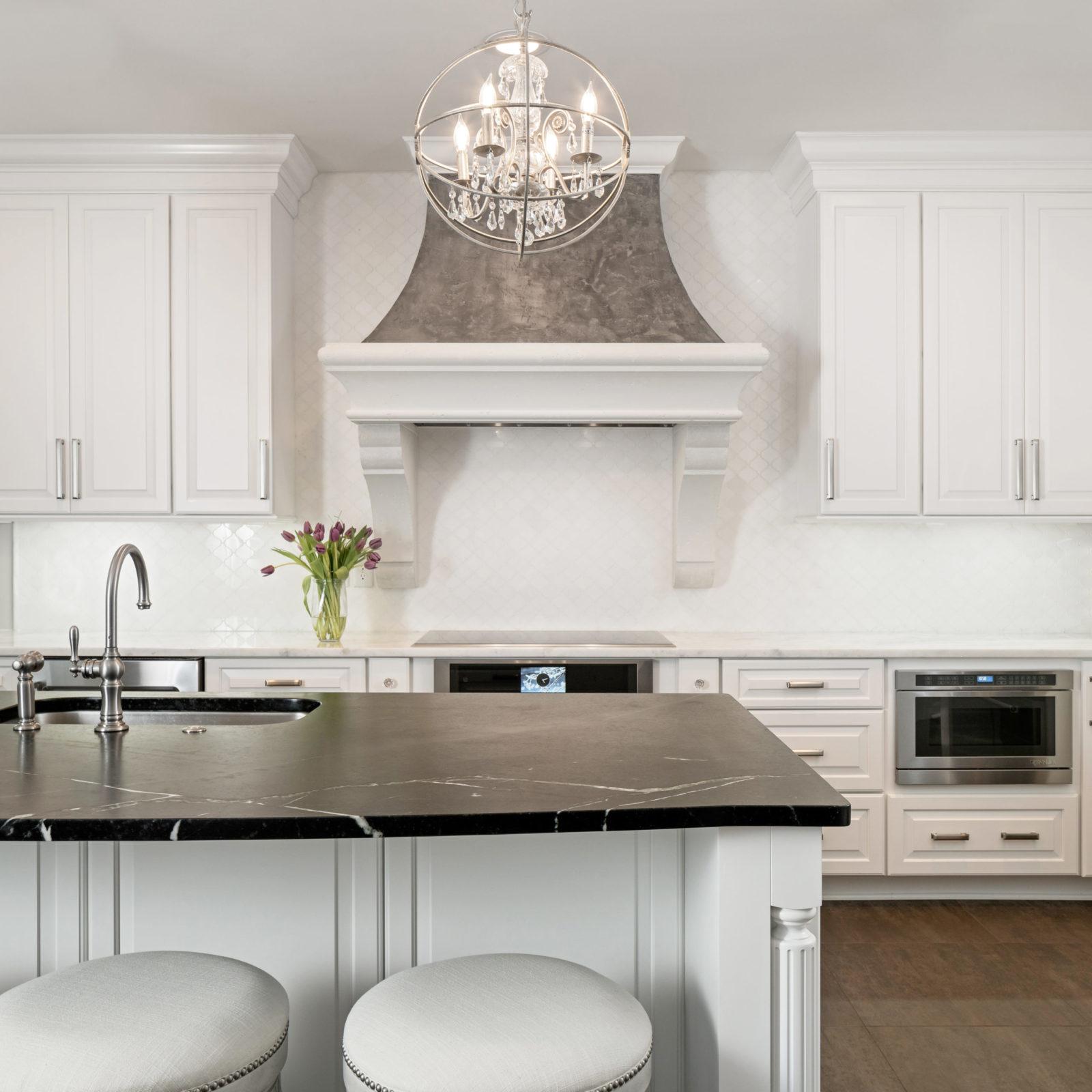 kitchen-remodel-black-and-white-design