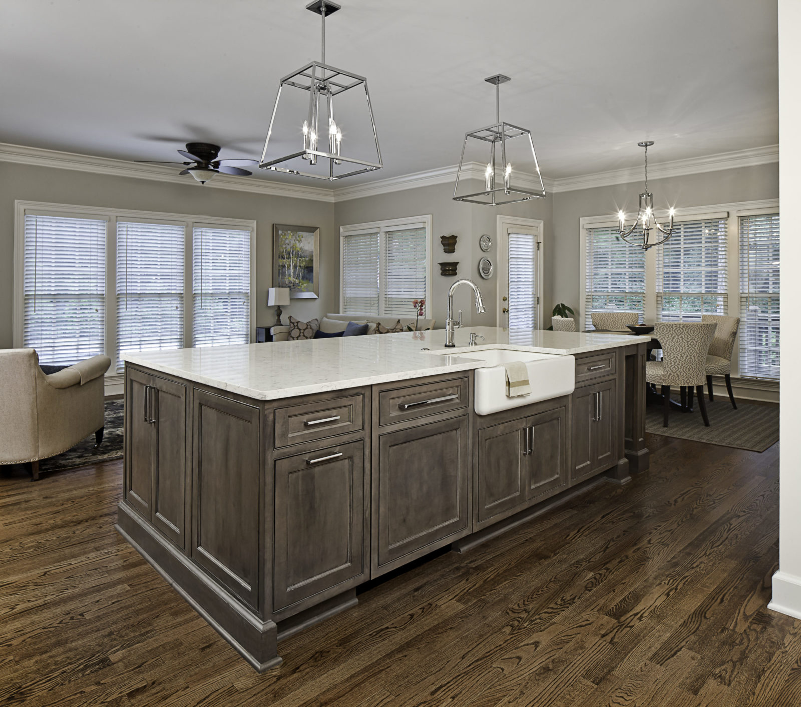 designer-kitchen-gray-stained-kitchen-island