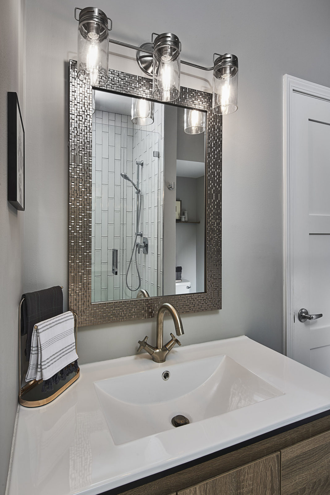 home-design-modern-guest-bathroom-remodel-huntersville-nc