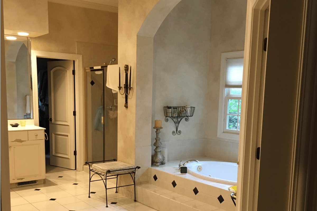bathroom-remodel-revision-design-curbless-shower-and-clawfoot-tub_before