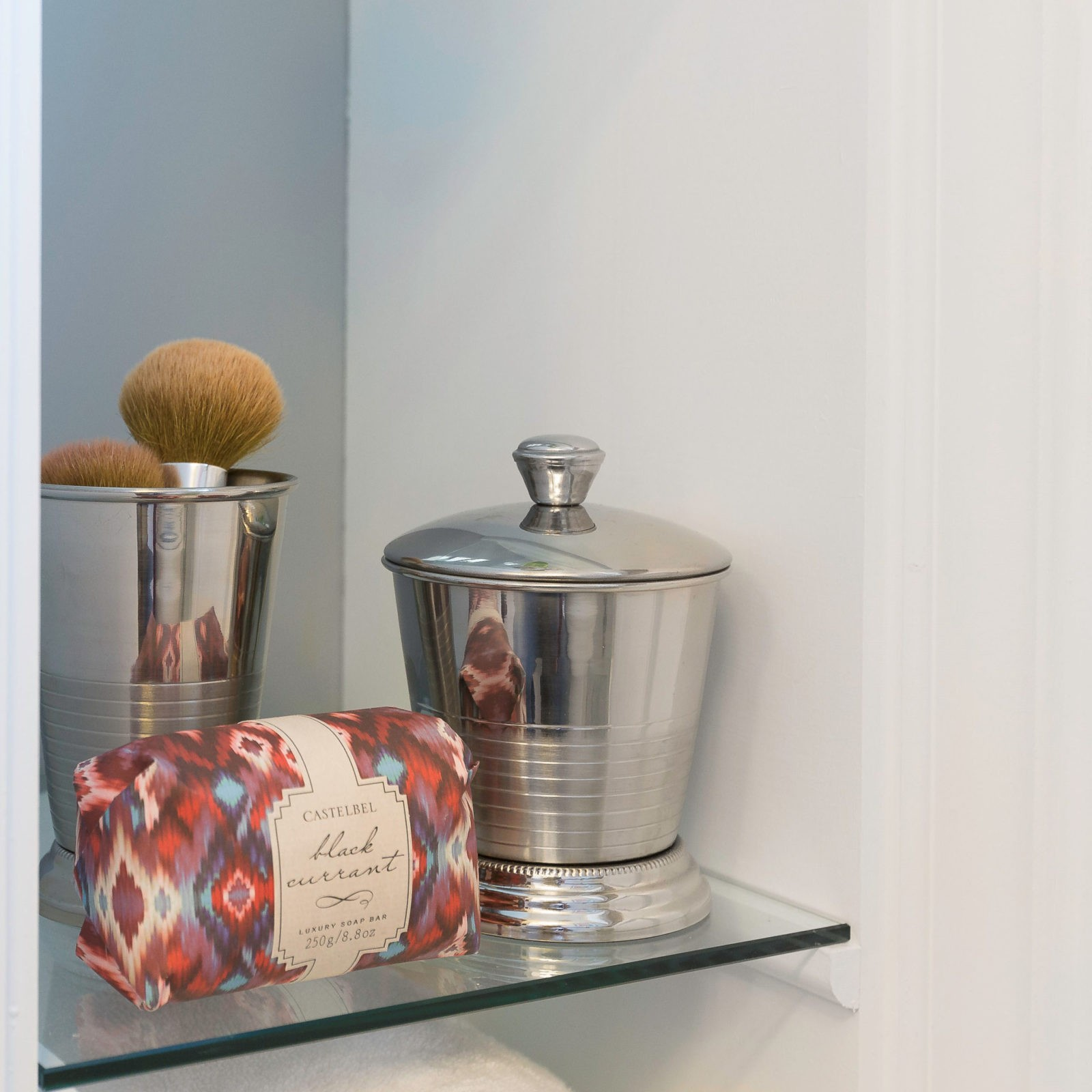 bath-redesign-revision-design-glass-shelves-in-bathroom