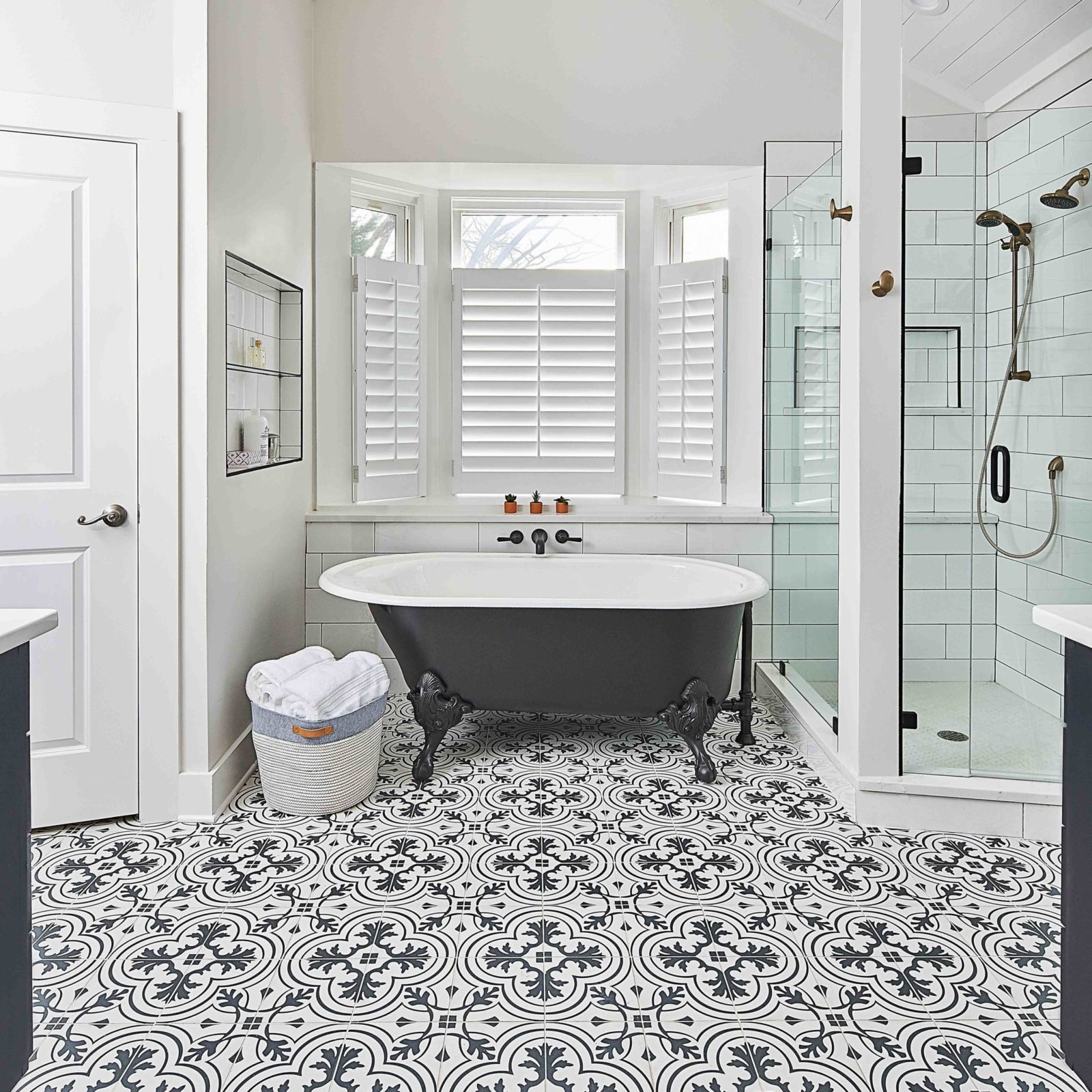 bungalow-home-remodel_bathroom_remodeling